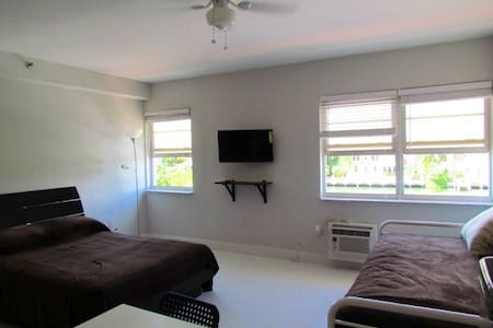 Lovely Beach Studio Bay  for 4 WIFI - Miami Beach - Apartment