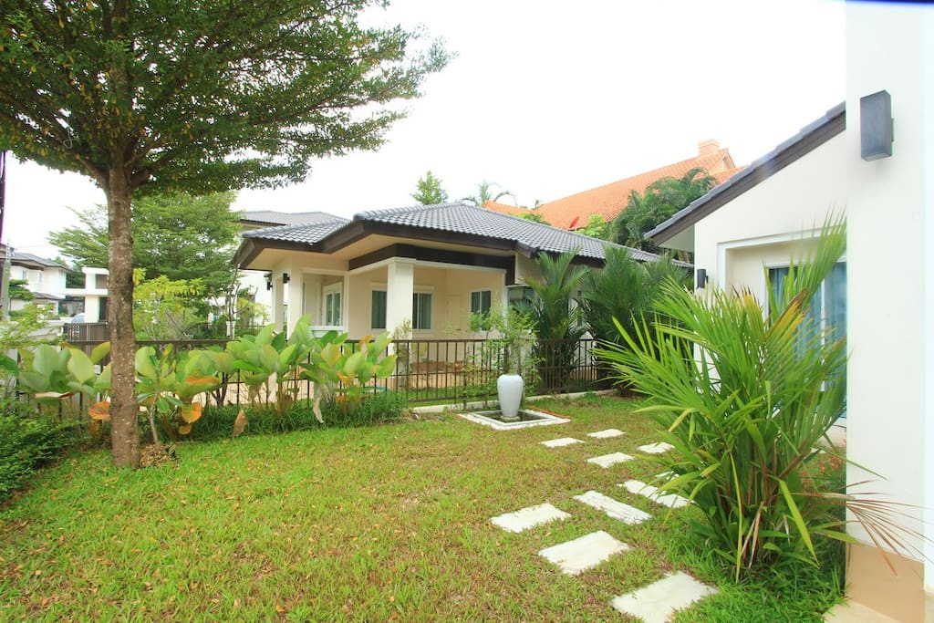 4 Bedroom Villa with shared Pool