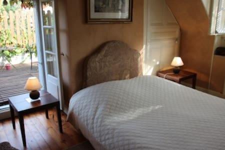"""""""LA MAISON DE FAMILLE""""  Chenonceaux - Chenonceaux - Bed & Breakfast"""
