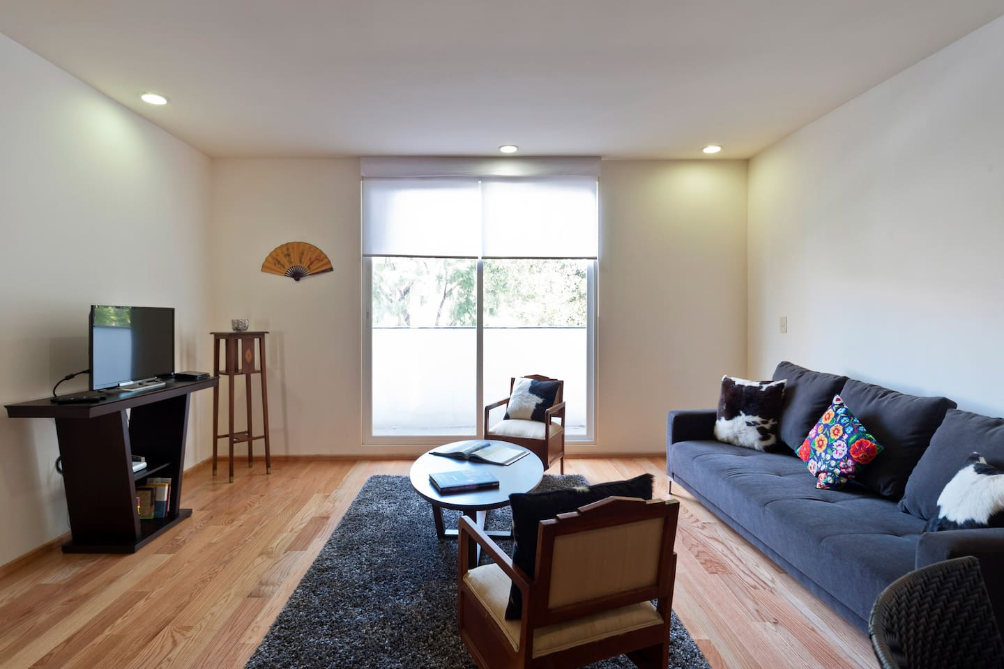 2BR apartment great location