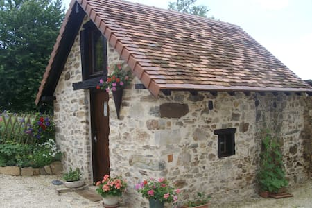 Charming converted bread oven - Bed & Breakfast