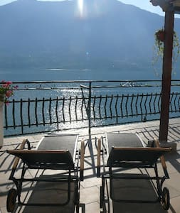 Casa Romantica -Terrace 40sqm, wonderful lake view - Dervio - Appartement