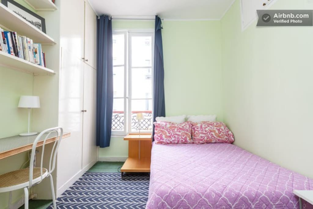Bedroom in Abbesses (Montmartre)