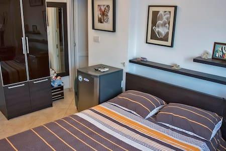Lux Apartment Sutomore - Apartamento