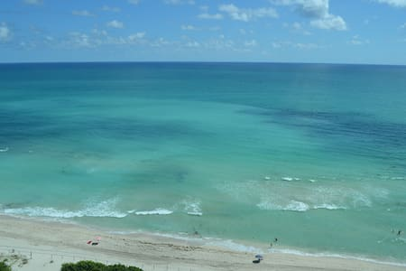 New 16th Floor Beachfront 180º Oceanview Apartment - Miami Beach - Appartamento