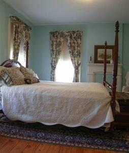 Eddyville Wheel House (2 Bedrooms) - Kingston - Casa