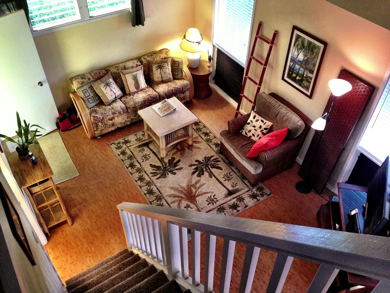 The New Bamboo Bungalow! Comfortable, newly remodeled living space.