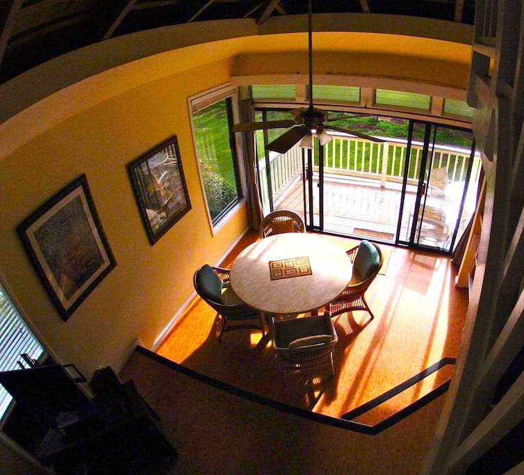 Dining room and lanai, viewed from bedroom loft.