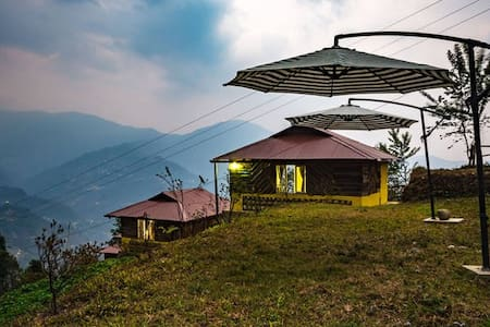 Mustard Seed Farm-Stay (Deluxe Hut) - Gangtok - Hütte