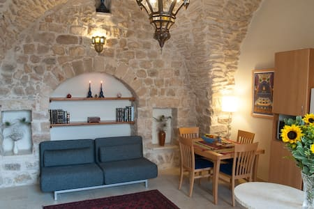 Artist Quarter Guesthouse B&B-Suite - Safed - Bed & Breakfast