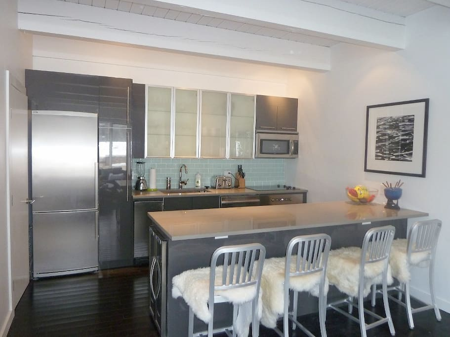 More fabulous kitchen with IceMaker and Wine Fridge