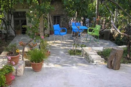 lorenc guest house, hostel gorica - Bed & Breakfast