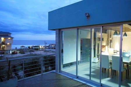 Moderna casa frente a playa Mar de Ostende Pinamar - Haus