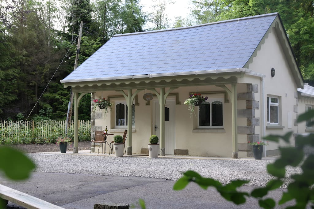 Our 5* Gate Lodge sent amongst 550 acres of Private Estate on the outskirts of Fivemiletown, Co.Tyrone, Northern Ireland.