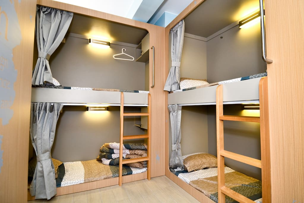 Stylish hostel bunk bed rental 2 dorms for rent in for Room decor ideas in hostel