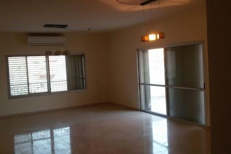 Big Penthouse Apartment - Afula - Apartamento