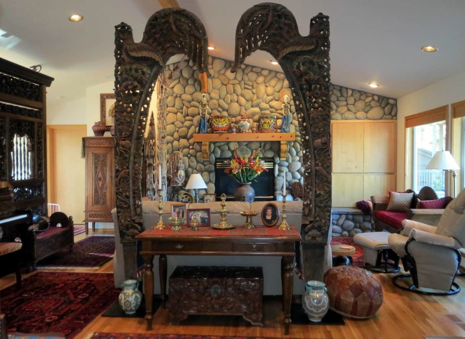 Exotic treasures adorn this unique home in Sunriver, Oregon. Perfect for experienced or arm chair travelers! Entire home or bedrooms available.