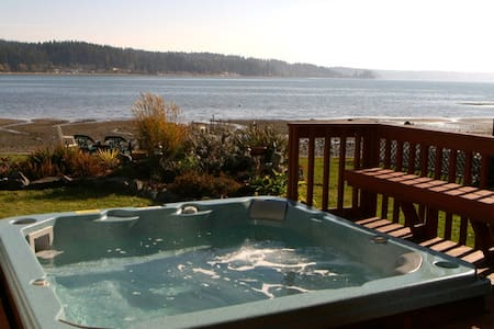 Allyn Beachfront-HotTub-Puget Sound - Allyn-Grapeview - Ev