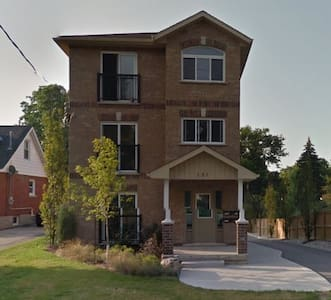 Private bedroom in a shared apt of 5 bedrooms - Waterloo - Daire
