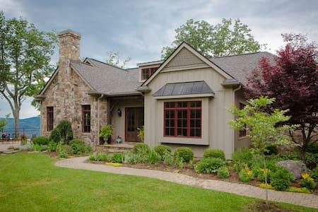 Beautiful Mountain House - One Bedroom - Bent Mountain - House