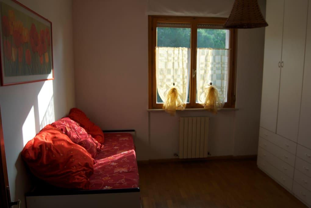 Camera doppia, primo letto singolo