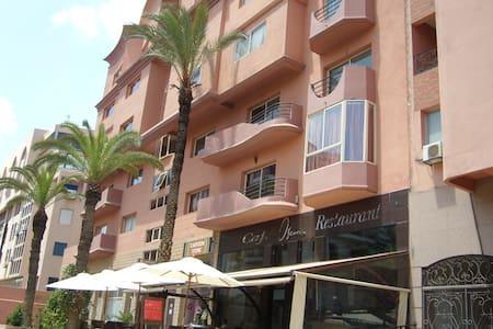 Marrakech-Gueliz-Plaza Top located! - Apartament