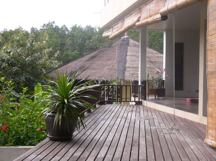 deck mainhouse