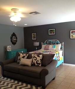 Haunted Theme Disney Garage Apt - Kissimmee