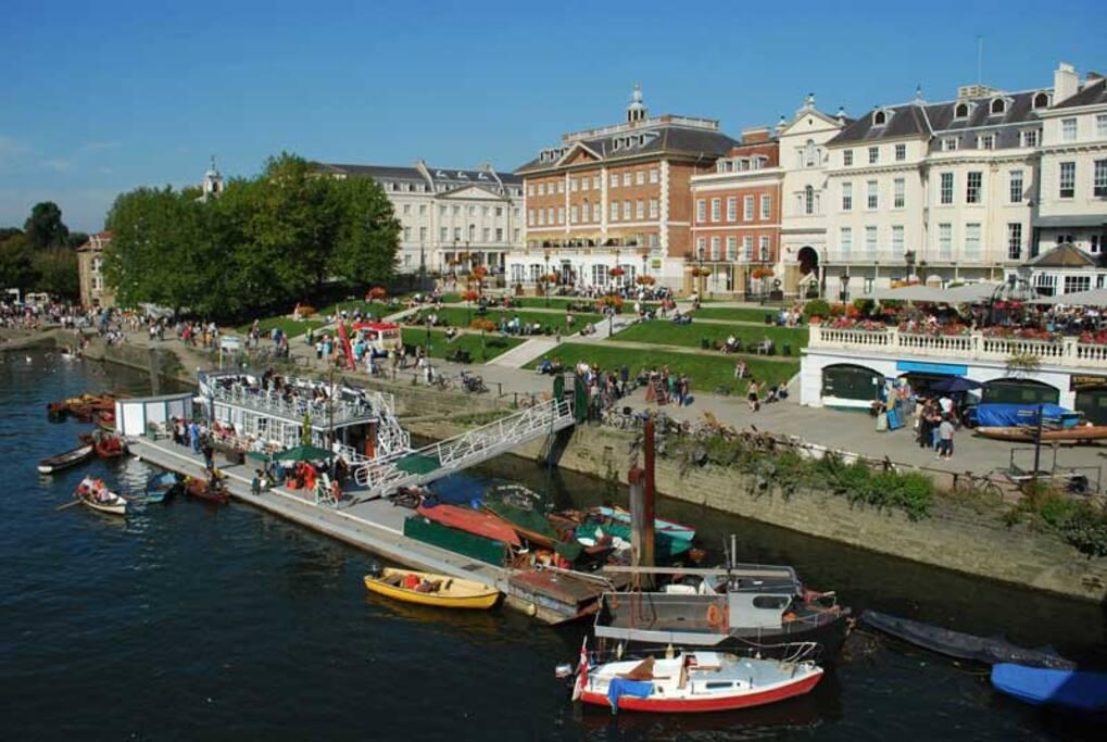 The River Thames runs through the heart of the Richmond