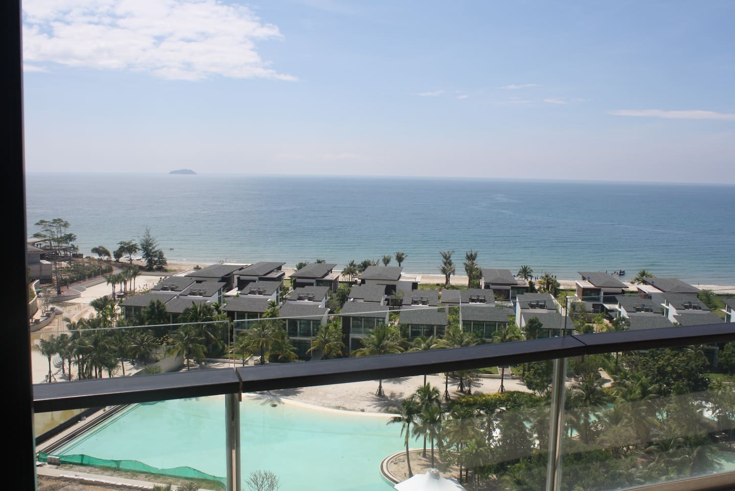 Astounding 180 Degree Ocean Views from your balcony, bedroom and living room!