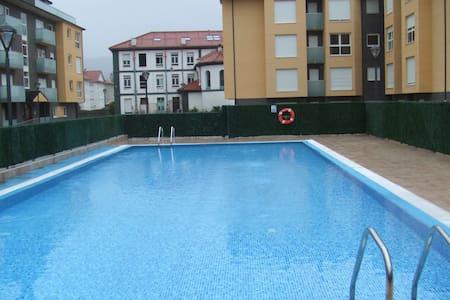 Atractivo y moderno con piscina - Unquera - Appartement