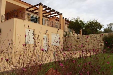 New build beach-apartment in Kymi with seaview - Platana - Lägenhet