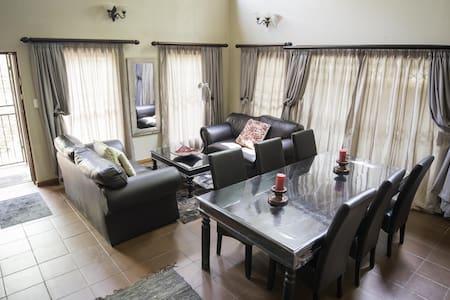 Quality Stay in Quiet Neighbourhood - Pretoria - House