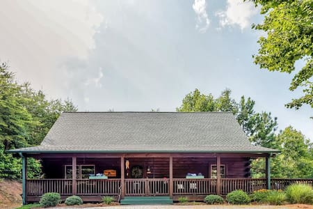 Private 3BR Bostic Cabin w/Wifi - Bostic - Sommerhus/hytte