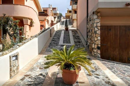 SEASIDE VIEW TERRACE 100m to BEACH - Townhouse