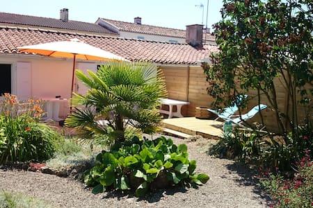 Maison individuelle avec agréable jardin clos - Grues - Talo