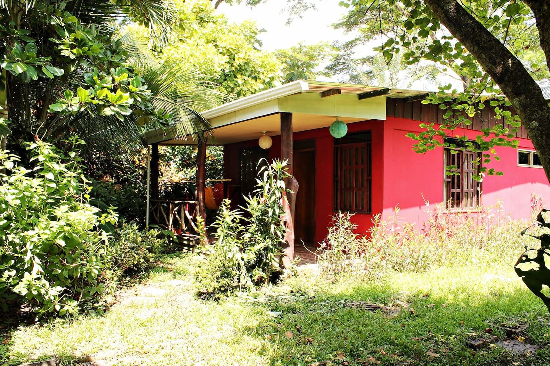 Lovely House near BEACH, Cabuya