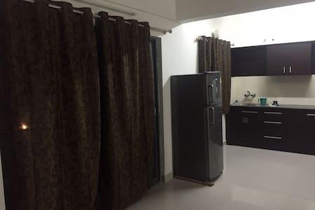2 BHK Furnished apartment - Lakás