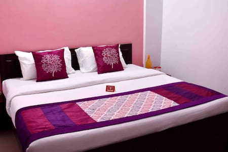 Feel at Home with Hotel Amenities service & Food - Guesthouse