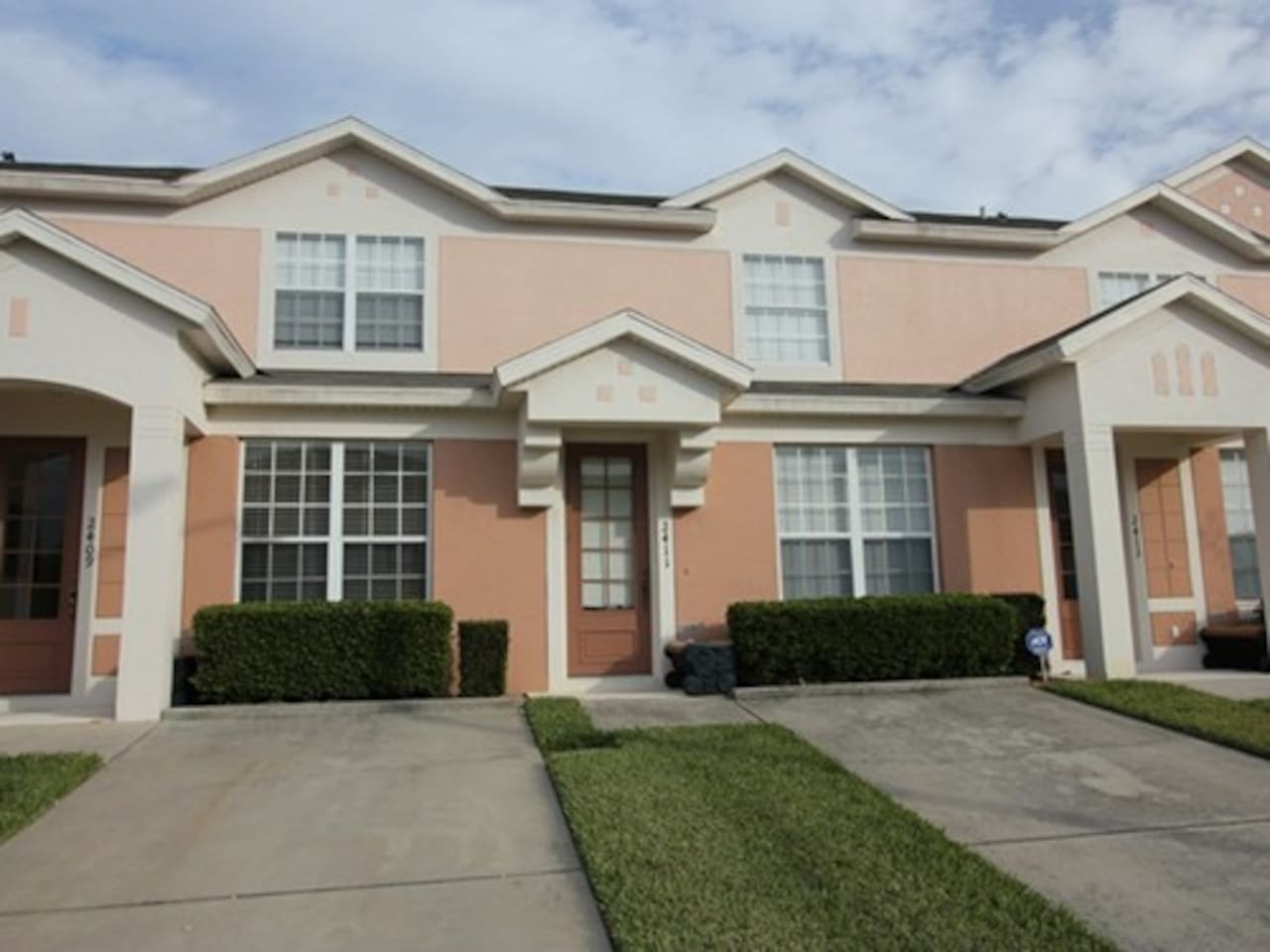 5 star reviewed townhome in Windsor Palms!