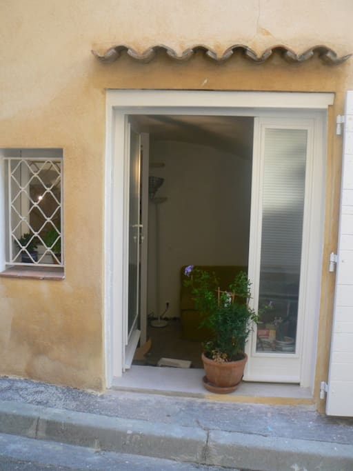 Charming studio on the port Cassis