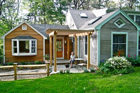 Lovely, cozy, rural Cape Cod home