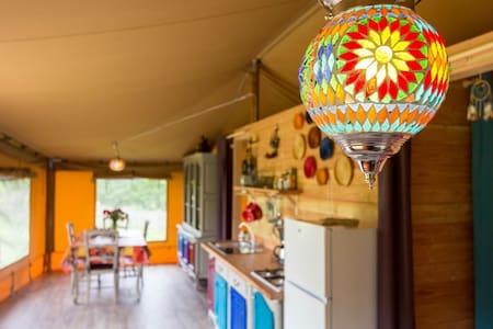 Glamping in een luxe bedoeïnen safaritent - Vigeois