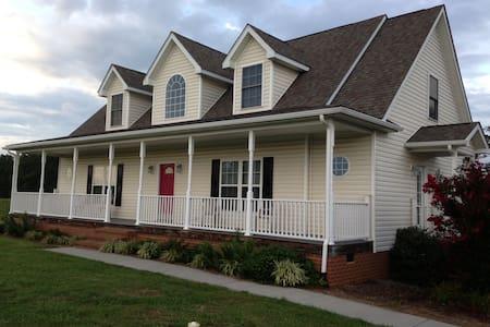 Buckingham Virginia Home - Dom