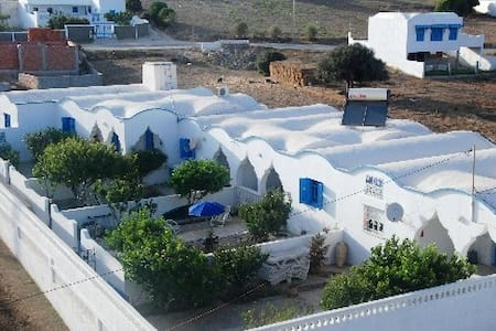 guesthouse sea mountain Tunisia - Al Huwariyah - House