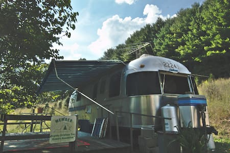 Airstream on the North Fork - Abingdon - Wohnwagen/Wohnmobil