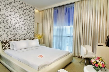 Situated at the City centre,our place is only 20 minute drive from Tan Son Nhat Internation Airport. It is very closed to shopping centers, governmental offices and many other popular tourist sites: