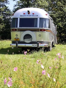 Lovely Airstream Motorhome Sleeps 6 - Black Torrington