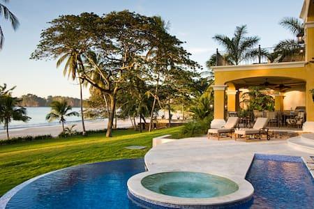 Flamingo BeachFront-Luxury property