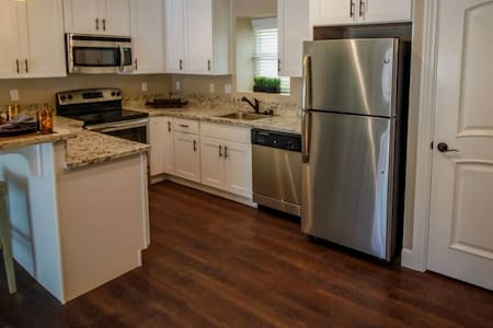 Brand-new WHOLE condo in Fremont! - Apartamento